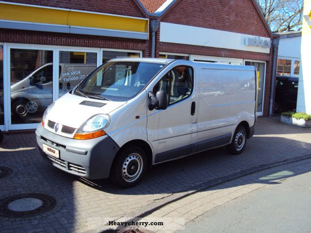 renault trafic l1h1 82hp 1 9 2 7 t 2001 box type delivery. Black Bedroom Furniture Sets. Home Design Ideas