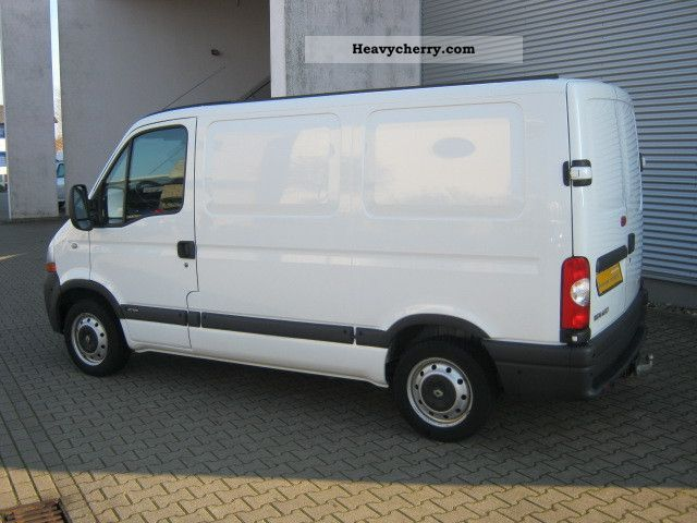 renault master 2 5 dci 100 l1h1 2010 box type delivery van photo and specs. Black Bedroom Furniture Sets. Home Design Ideas