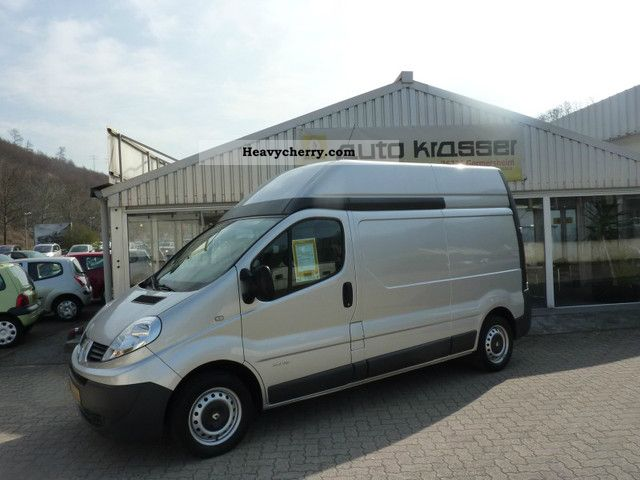 renault trafic 2 0 dci 115 l2h2 2009 box type delivery van high and long photo and specs. Black Bedroom Furniture Sets. Home Design Ideas
