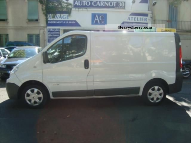 renault trafic dci 115 l1h1 grand confort 2007 box truck photo and specs. Black Bedroom Furniture Sets. Home Design Ideas