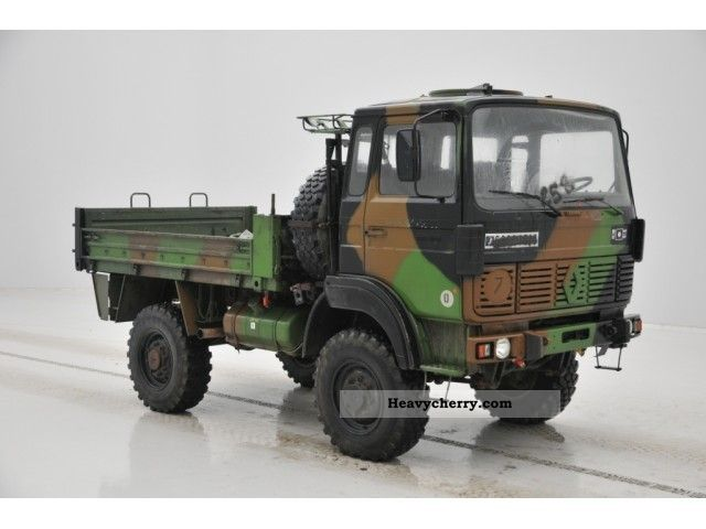 renault trm 2000 4x4 1989 stake body truck photo and specs. Black Bedroom Furniture Sets. Home Design Ideas