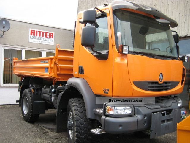 renault midlum 4x4 utility vehicle 2010 three sided tipper truck photo and specs. Black Bedroom Furniture Sets. Home Design Ideas