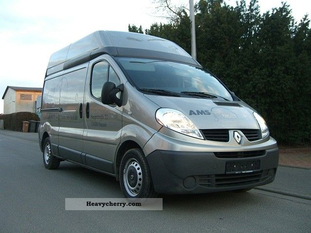 renault traffic 2007 box type delivery van high and long photo and specs. Black Bedroom Furniture Sets. Home Design Ideas