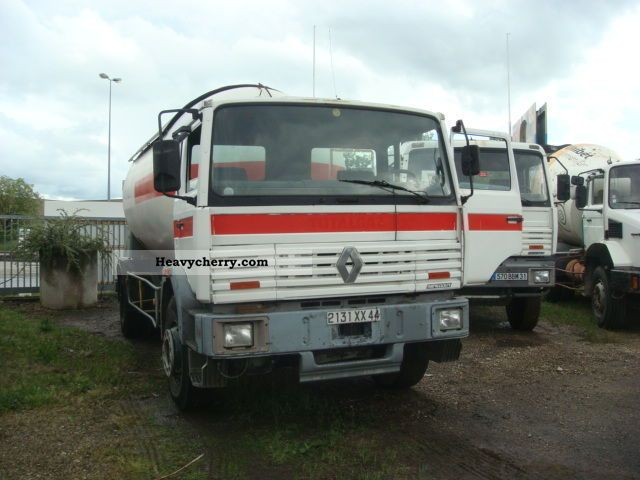 renault renault g 230 4x2 truck citerne a gaz 1993 tank truck photo and specs. Black Bedroom Furniture Sets. Home Design Ideas