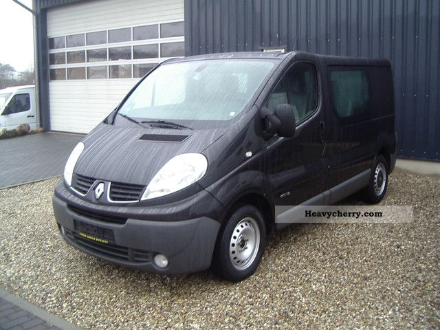 renault trafic 115 dci pasenger 2007 estate minibus up to 9 seats truck photo and specs. Black Bedroom Furniture Sets. Home Design Ideas