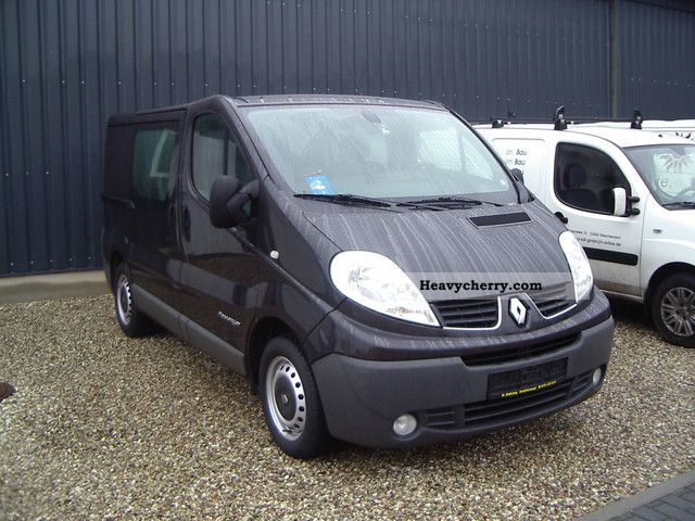 renault trafic 115 dci pasenger 2007 estate minibus up. Black Bedroom Furniture Sets. Home Design Ideas