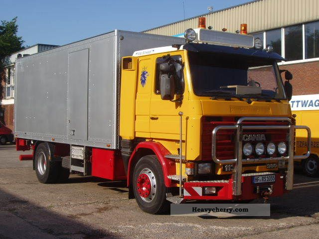 Scania r113m4x2a car garage complete equipment 1988 box for Equipement complet garage auto