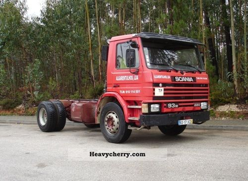 Scania 93M 220 1993 Chassis Truck Photo and Specs