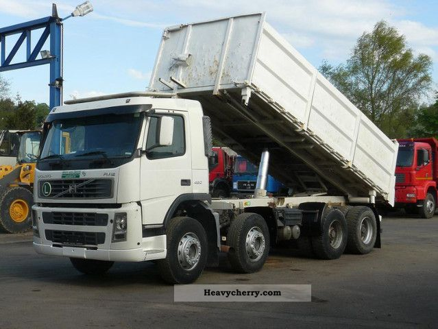 2002 Volvo  FM12-420 8x4 Euro 3 air Truck over 7.5t Three-sided Tipper photo