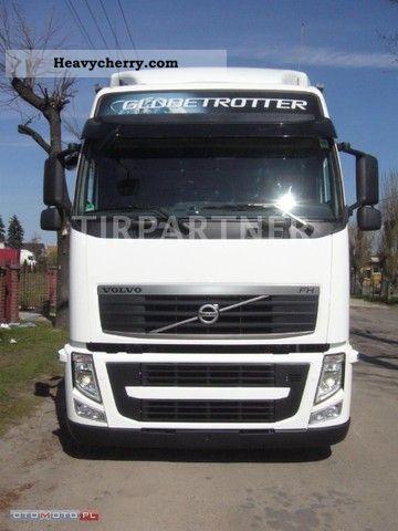2011 Volvo  FH 13 460 EEV MEGA Semi-trailer truck Standard tractor/trailer unit photo