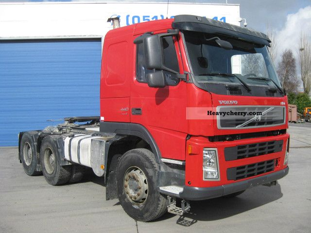 2008 Volvo  FM 440 6X4 HEAVY DUTY Semi-trailer truck Standard tractor/trailer unit photo