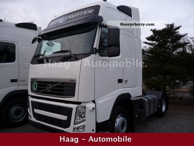 2011 Volvo  FH13-460 EEV, I-SHIFT, like new. Semi-trailer truck Standard tractor/trailer unit photo
