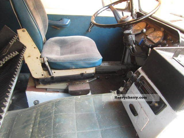 Volvo f89 6x2 with lift axle 1975 Chassis Truck Photo and Specs