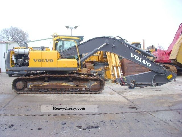 2009 Volvo  EC 240 C NL Construction machine Caterpillar digger photo