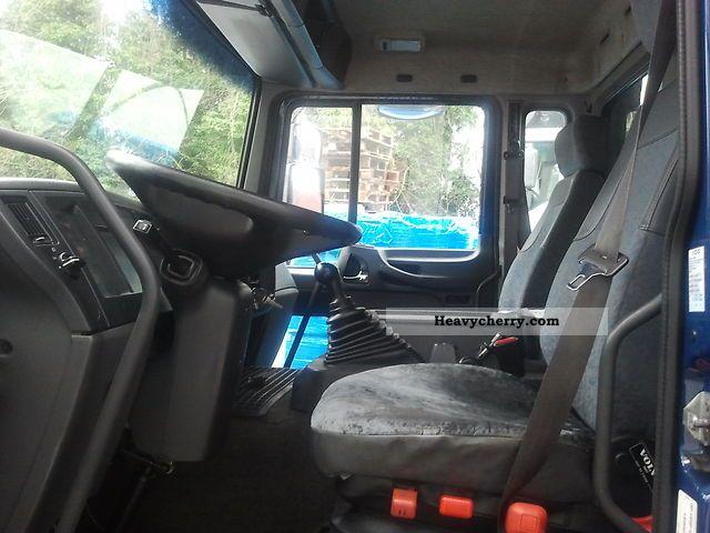 Volvo FL6 air suspension 2003 Stake body and tarpaulin Truck