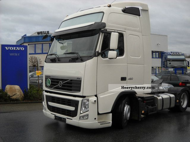 Volvo FH-420 X-adjustable Low SK 2011 Volume trailer Photo and Specs