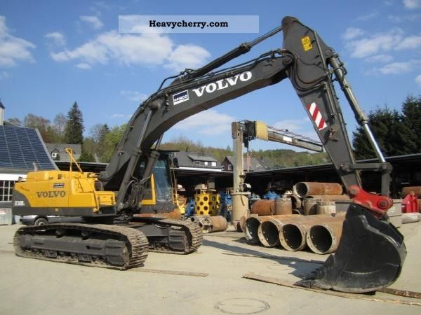 2005 Volvo  EC 330 BLC Construction machine Caterpillar digger photo