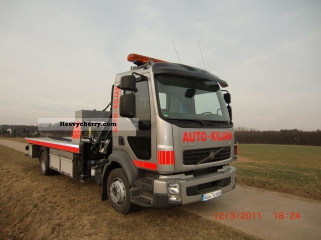 volvo fll 240 2011 breakdown truck photo and specs. Black Bedroom Furniture Sets. Home Design Ideas