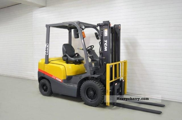 2009 TCM  FD 25 T3, SS, 339Bts ONLY! Forklift truck Front-mounted forklift truck photo