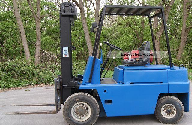 2011 TCM  FG30N Forklift truck Front-mounted forklift truck photo