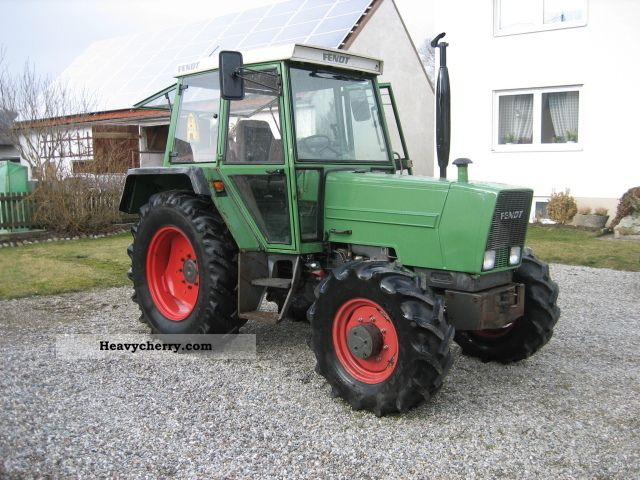 1983 Fendt  304 Agricultural vehicle Tractor photo