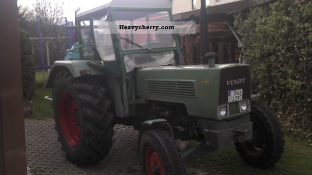 1976 Fendt  106s Agricultural vehicle Tractor photo