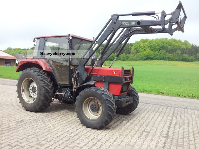 1989 Case  743 XLN Agricultural vehicle Tractor photo