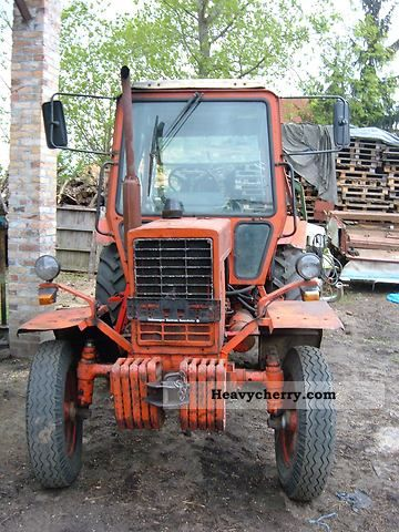 1989 Fortschritt  MTS 570 Agricultural vehicle Tractor photo