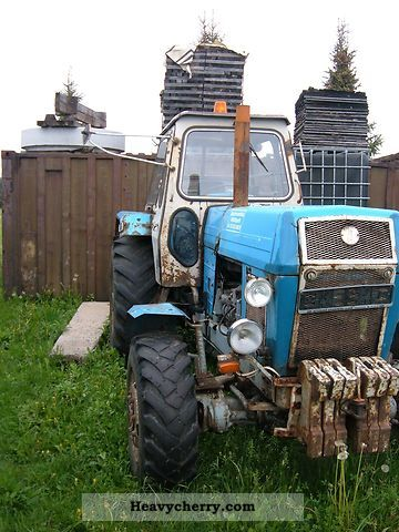 1983 Fortschritt  ZT303 Agricultural vehicle Tractor photo