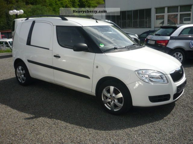 skoda roomster 1 2 practice 2008 box type delivery van photo and specs. Black Bedroom Furniture Sets. Home Design Ideas