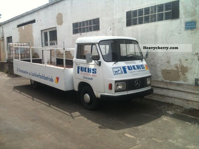 1973 Hanomag  Henschel F30L Restored Van or truck up to 7.5t Stake body and tarpaulin photo