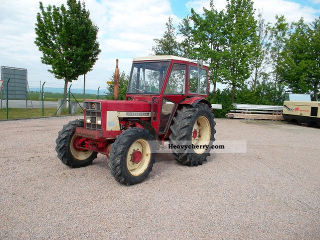 1974 McCormick  724 + wheel + car + power + +30 km Tüv new Agricultural vehicle Tractor photo