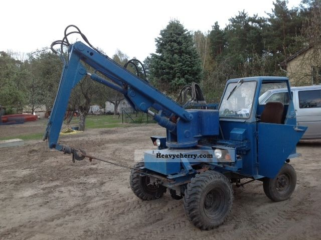 1990 Fortschritt  waran FHK 150 bj 1990 with 518 hours of operation Agricultural vehicle Tractor photo