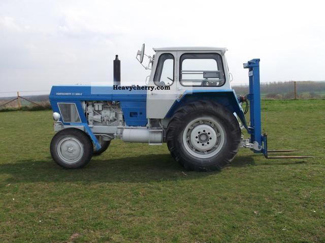 1976 Fortschritt  ZT 300C Agricultural vehicle Tractor photo