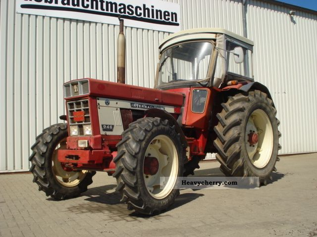 1976 Case  946 AS Agricultural vehicle Tractor photo