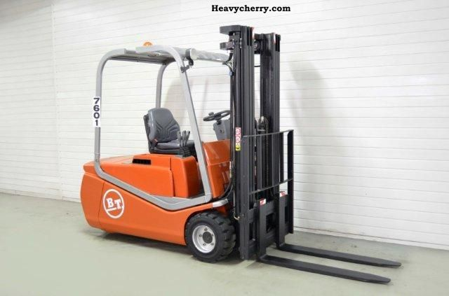 2006 BT  C3E 200, SS, TRIPLEX, 1239Bts ONLY! Forklift truck Front-mounted forklift truck photo
