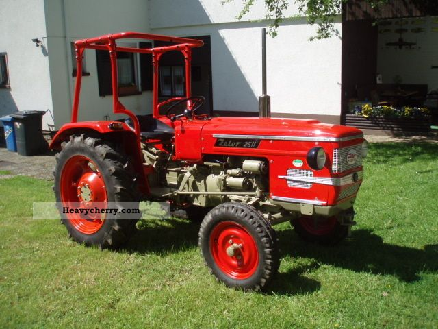 1977 Zetor 2511 Agricultural vehicle Tractor photo ...