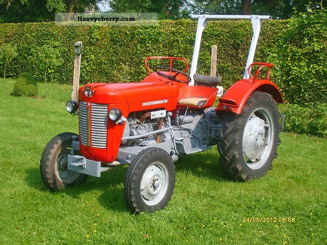 1964 Agco / Massey Ferguson  MF 30 MF30 Agricultural vehicle Tractor photo