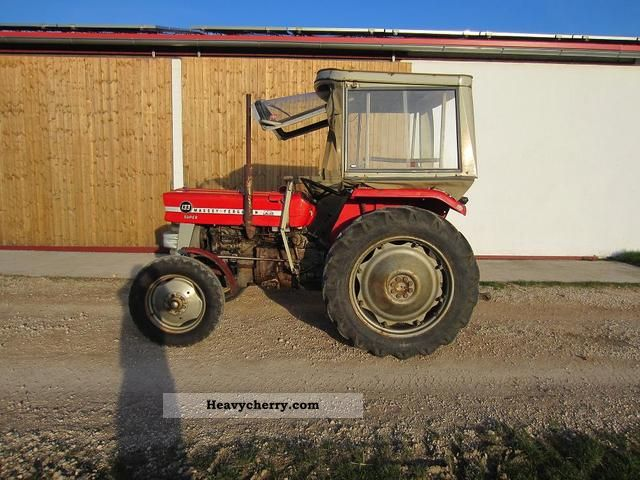 1975 Agco / Massey Ferguson  133 Agricultural vehicle Tractor photo