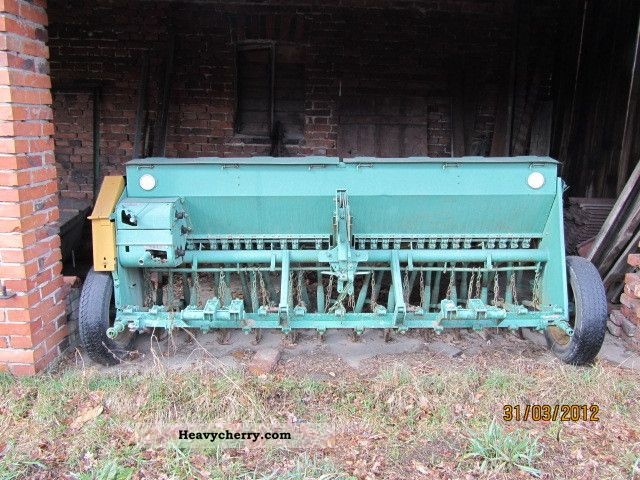 2011 Other  Siewnik Poznaniak Agricultural vehicle Seeder photo