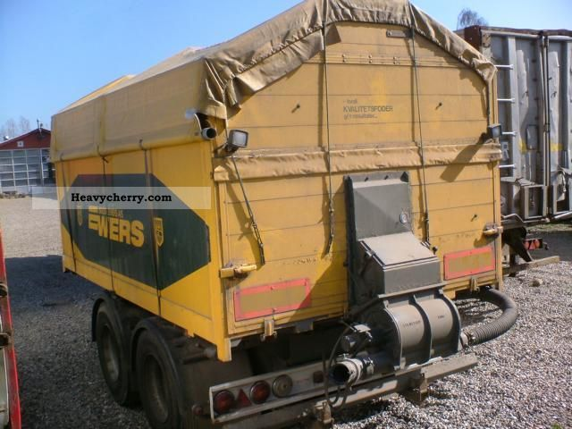 Trucks With Blowers : M ³ grain feed trucks with blowers three sided