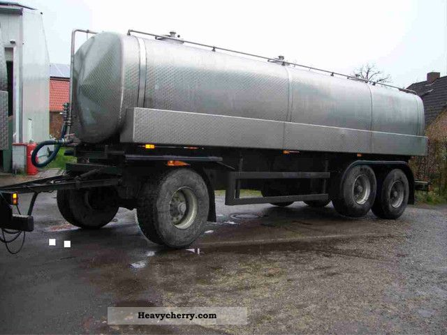 1998 Other  Long tank trailer 20,000 liters of milk rind Trailer Food tank trailer photo
