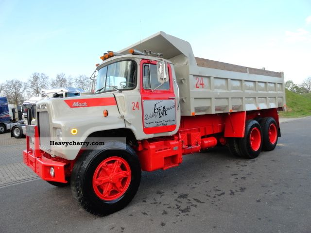 1968 Mack Truck : Mack dm sx tipper truck photo and specs