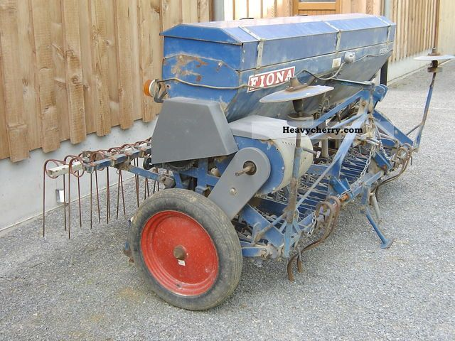 2011 Other  Fiona D70, 2.5 m Agricultural vehicle Seeder photo