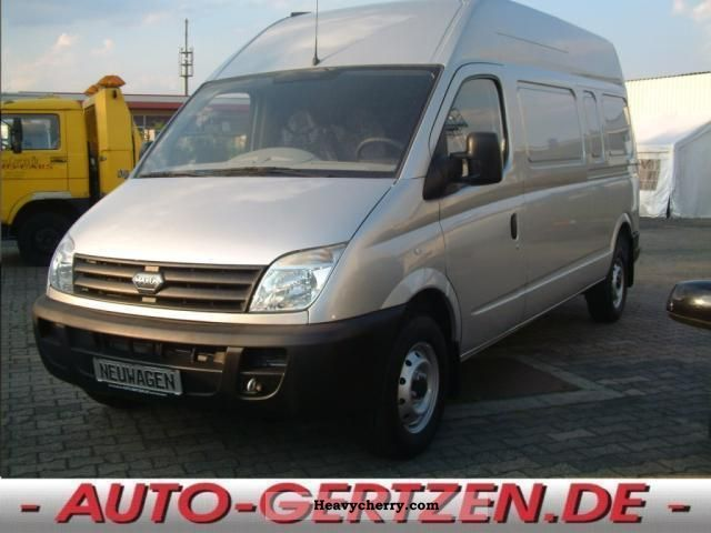 2010 Other  LDV MAXUS 3.3 Long-High Van or truck up to 7.5t Box-type delivery van - high and long photo