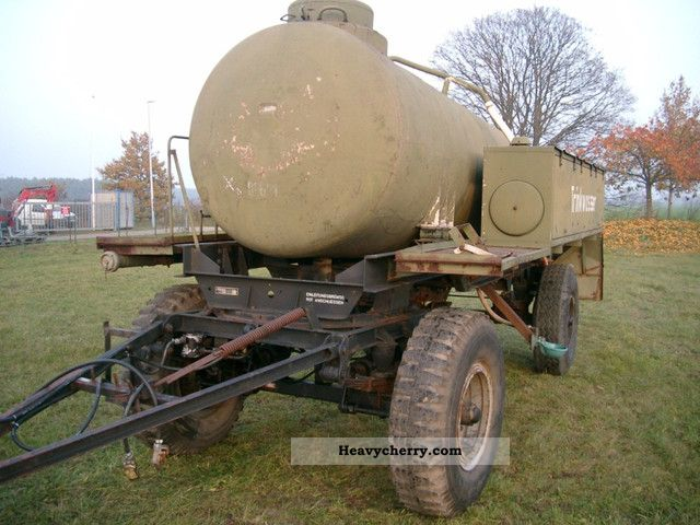 Tank truck, water truck, 5000l 1986 Tank body Trailer Photo