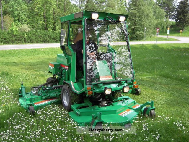how to change blades on m.t.d ride on mower