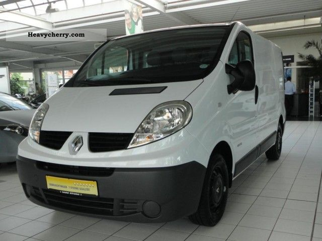 renault trafic 2 5 dci 115 l1h1 2009 box type delivery van photo and specs. Black Bedroom Furniture Sets. Home Design Ideas
