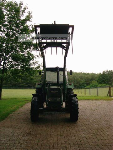 1980 Fendt  FWA 268 S Agricultural vehicle Tractor photo