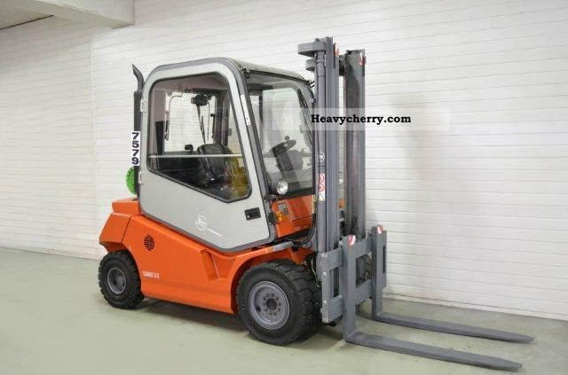2001 BT  CBG 30, SS, CAB Forklift truck Front-mounted forklift truck photo